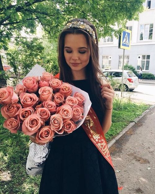 Beautiful Russian Girls Celebrate Graduation Day. Part 2 (26 pics)
