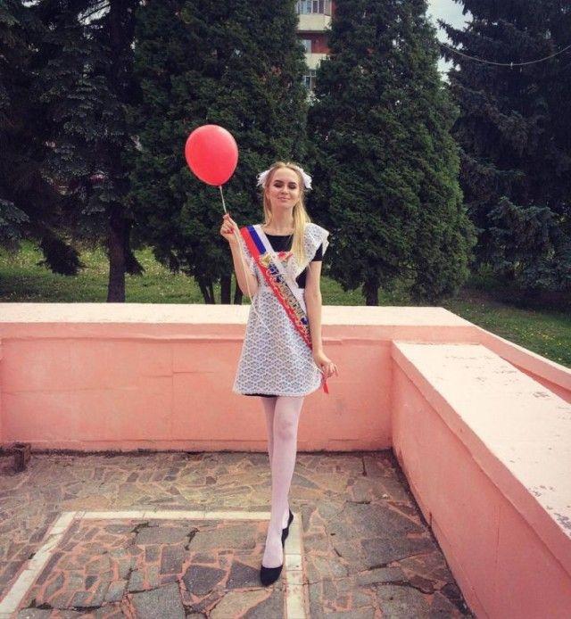 Beautiful Russian Girls Celebrate Graduation Day. Part 2 (26 pics)