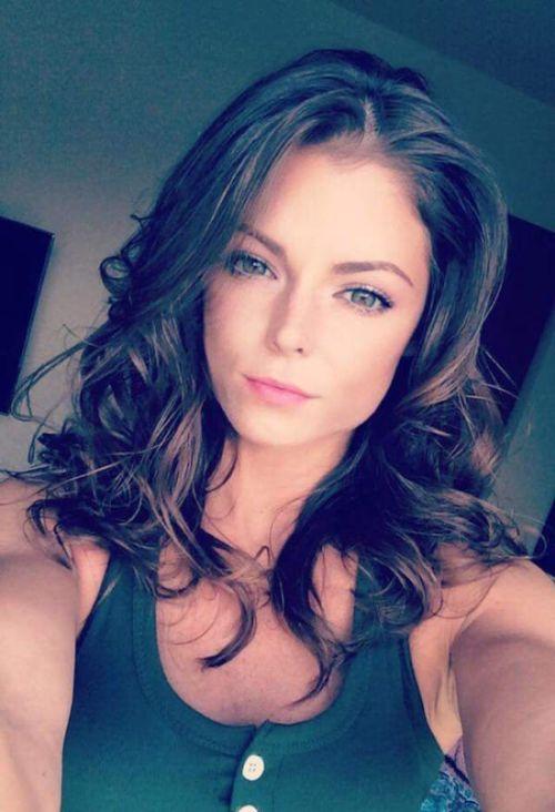 Gorgeous Girls Should Always Believe In Their Selfies (30 pics)