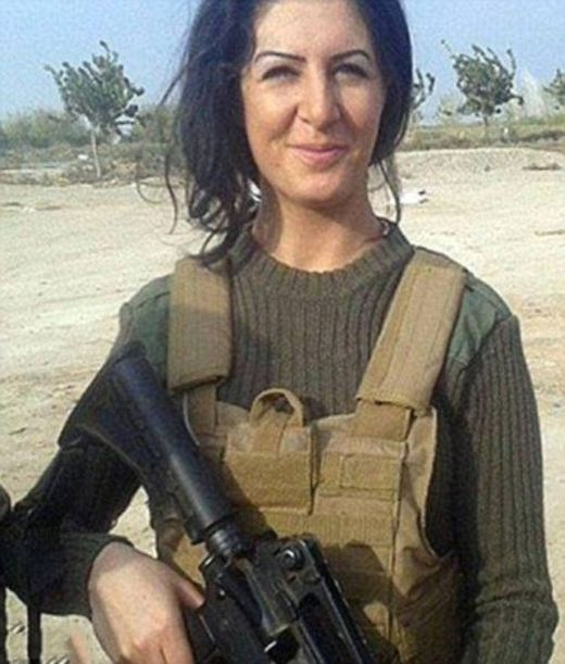 This Beautiful Woman Dropped Everything To Go Fight ISIS In Syria (18 pics)