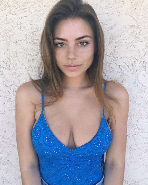 Busty Babes Are A Gift That Your Eyes Can Enjoy (57 pics)