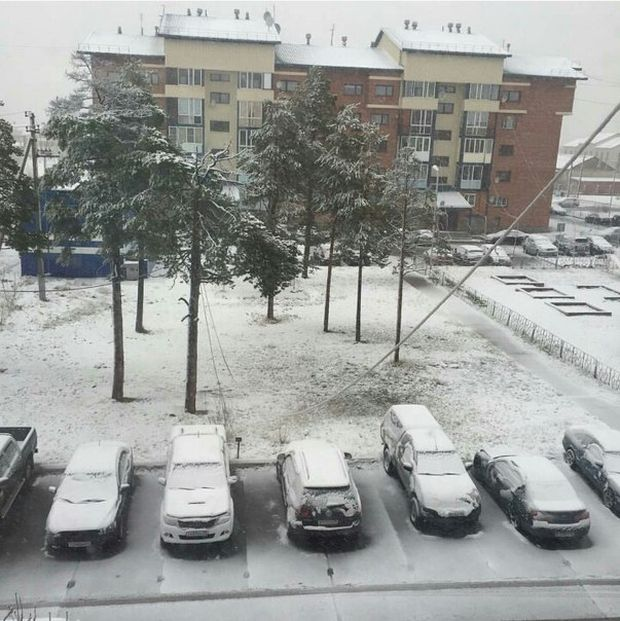 Northern Russia Gets Fresh Snow On The First Day Of Summer (16 pics)