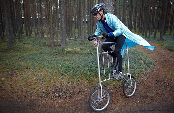 Awesome Pictures Of Crazy Bikes And Crazy People Riding Bikes (51 pics)