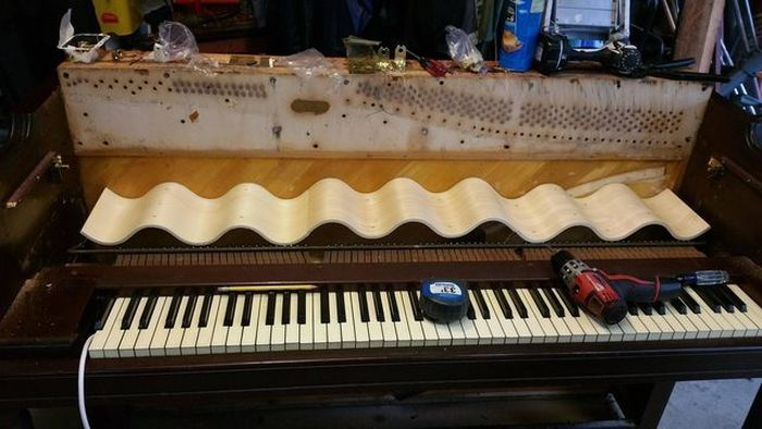 This Piano Doesn't Play Music Anymore, But It's Still Awesome (13 pics)