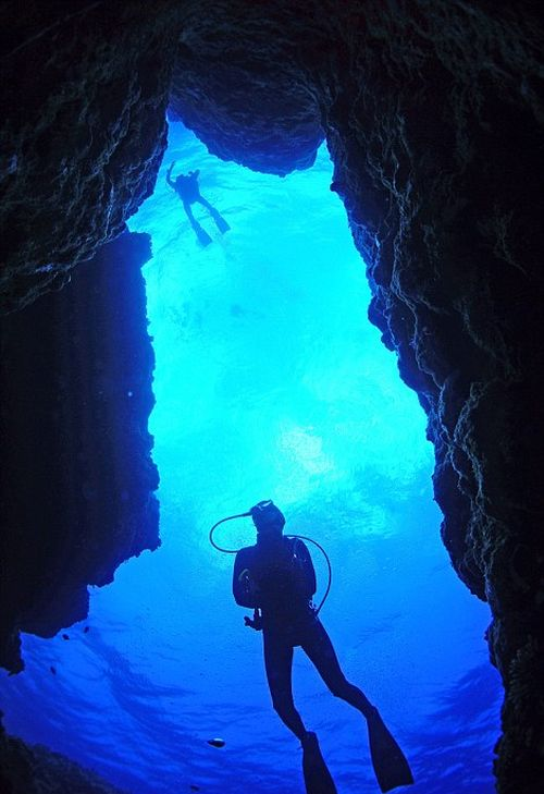 Breathtaking Underwater Caves From Turkey To Japan (13 pics)