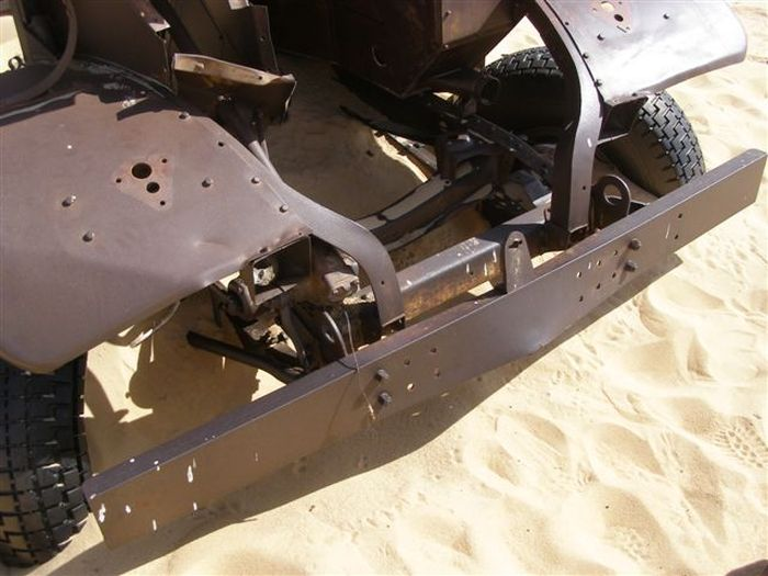 British Vehicle From World War II Discovered In The Desert (18 pics)