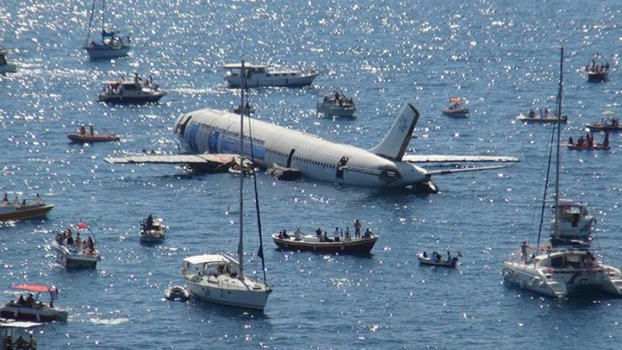 Turkish Government Sinks An Aircraft In The Aegean Sea (3 pics)