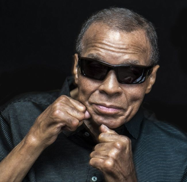 The Last Portrait Ever Taken Of Muhammad Ali (4 pics)
