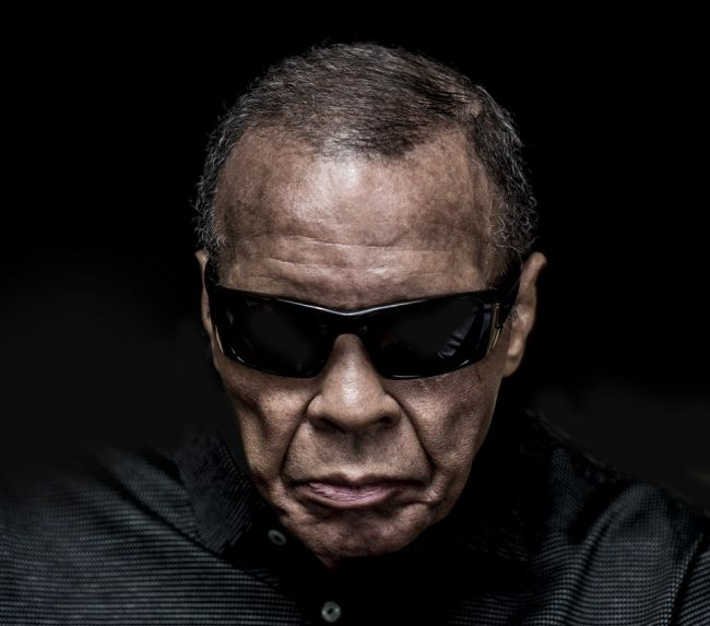 The Last Portrait Ever Taken Of Muhammad Ali (4 pics)