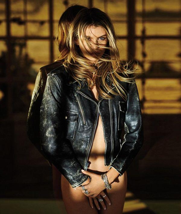 Victoria's Secret Supermodel Stella Maxwell Is Drop Dead Gorgeous (8 pics)