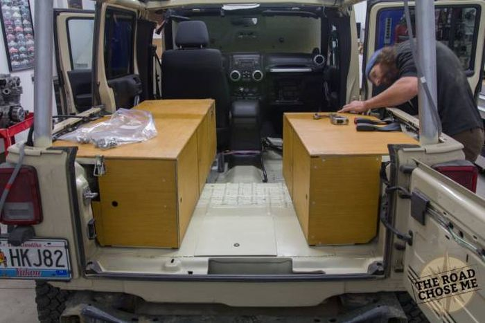 Guy Converts His Jeep Into A House On Wheels (30 pics)