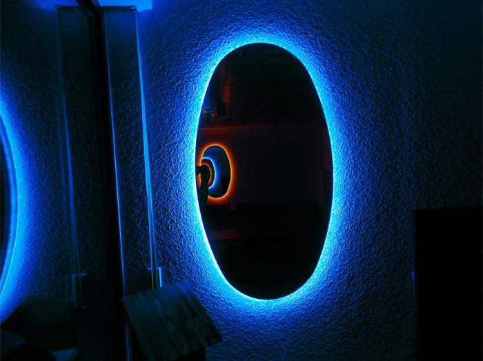 Portal Mirrors Instantly Make Any Room Way Cooler (5 pics + video)
