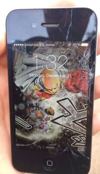 Easy Ways To Instantly Improve Your Cracked Phone Screen (19 pics)