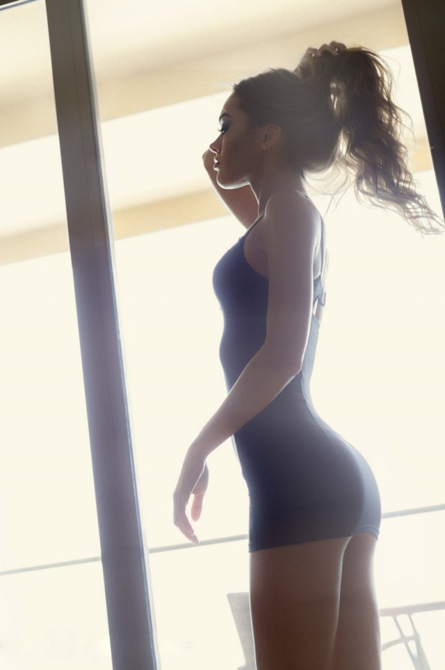 Summer Is A Great Season For Sexy Girls In Tight Dresses (32 pics)