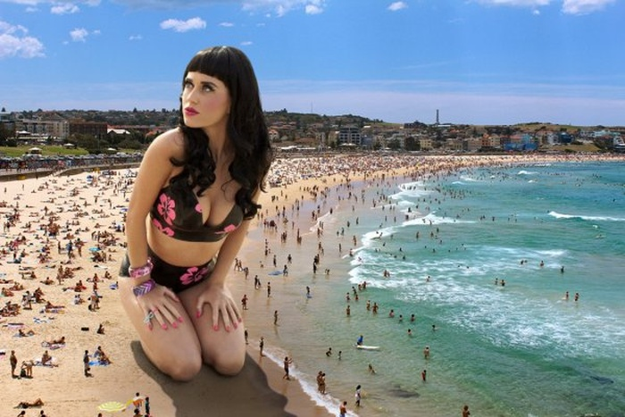 Katy Perry's Beach Picture Gets The Photoshop Treatment (8 pics + 3 gifs)