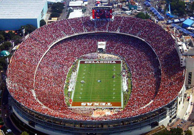 The Biggest Stadiums From All Around The World (20 pics)