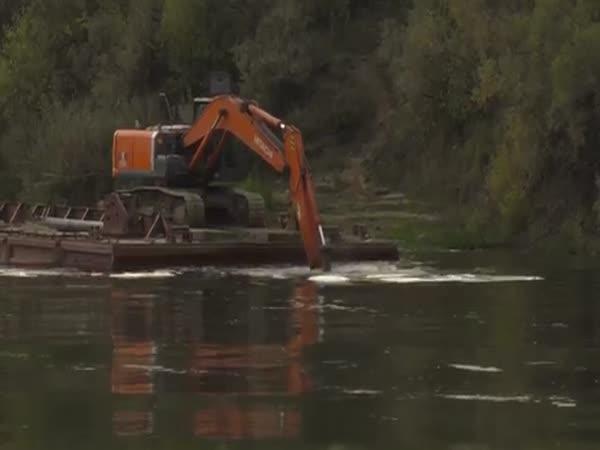 Excavator Floating