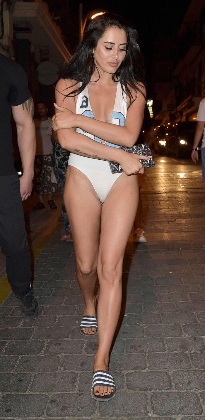 Chloe Ferry – Wearing Bikini in Thailand Pic 8 of 35