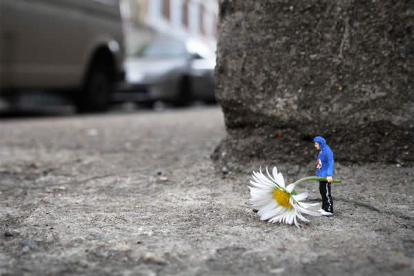 Perspective Proves That The World Isn't So Big After All (24 pics)
