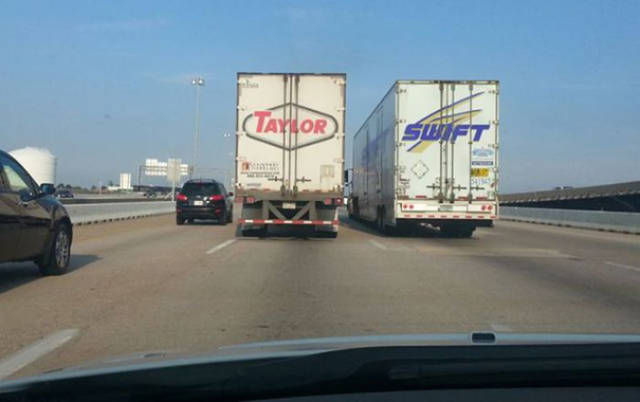 Placement Coincidences That Randomly Happened At The Right Time (71 pics)