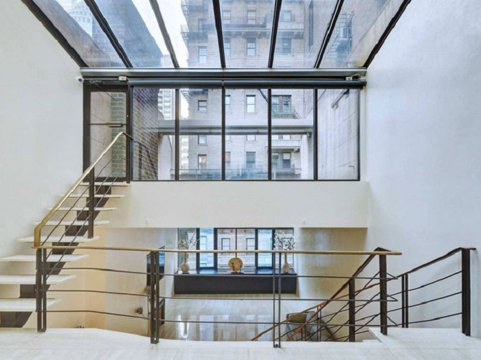 You Would Never Guess That This Is A $29 Million Dollar House (12 pics)