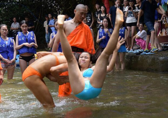 Chinese Rescuers Train Hard In Bikinis (9 pics)