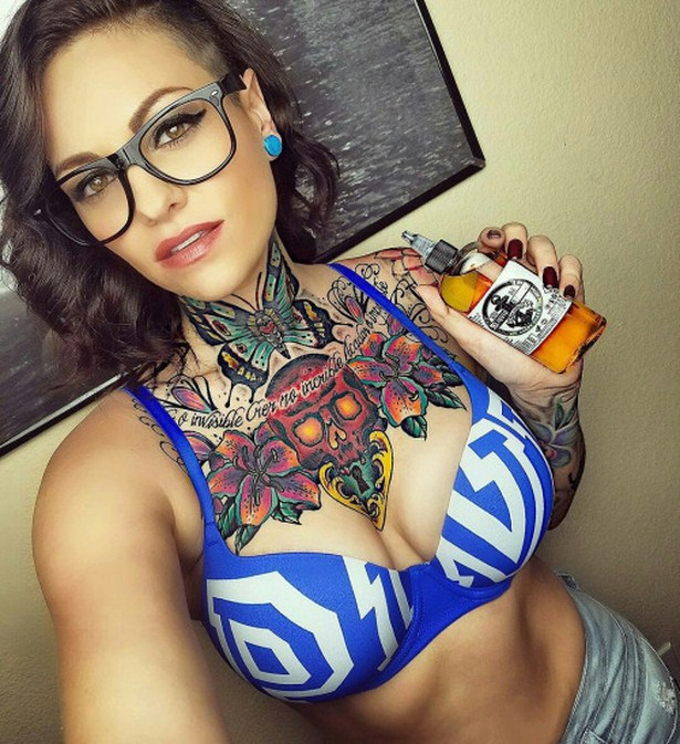 Sexy Girls With Tattoos Are A Work Of Art 30 Pics-2505