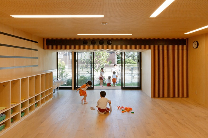This Japanese Kindergarten Was Built Using Shipping Containers (11 pics)