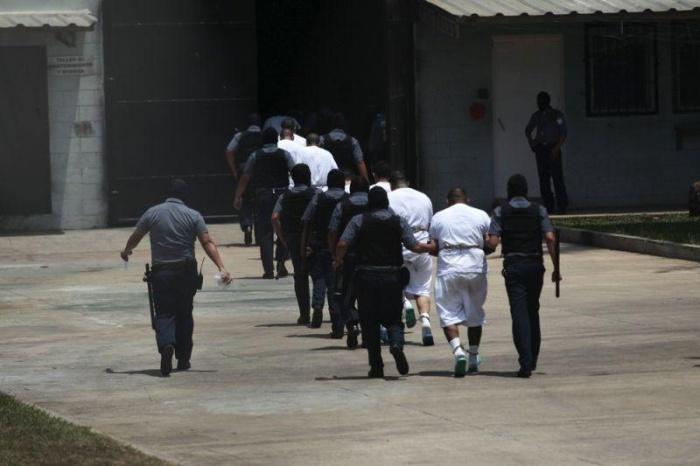 El Salvador Prison Closed After Authorities Lose Control (23 pics)