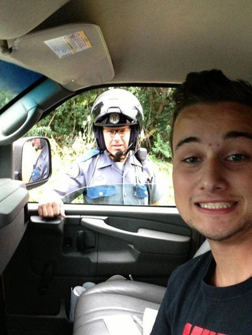 People Who Couldn't Resist Taking Selfies In The Wrong Place At The Wrong Time (25 pics)