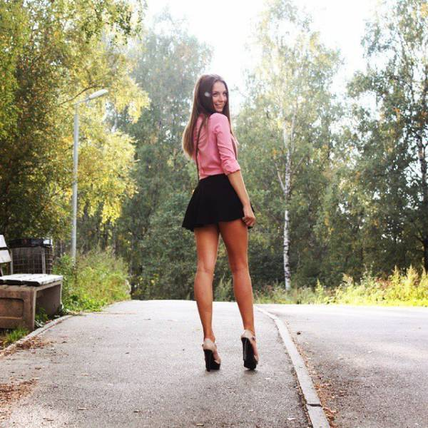Beautiful Girls With Long Legs Have The Best Of Both Worlds (52 pics)