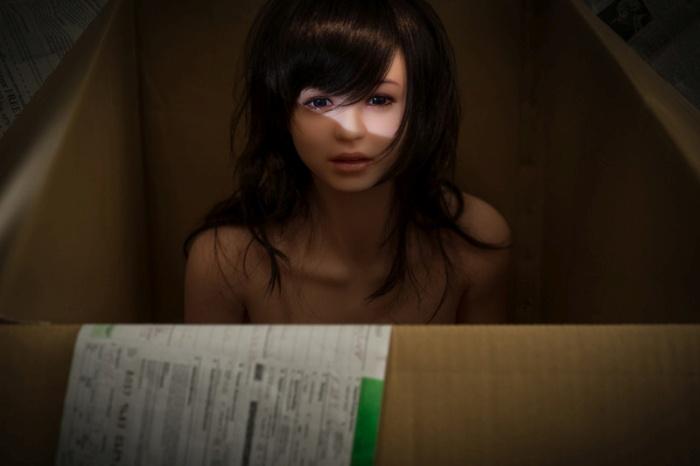This Korean Photographer Takes His Sex Doll Everywhere (9 pics)