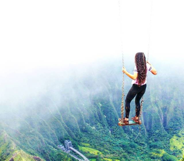 Only The Bravest Of The Brave Will Swing On This Swing (8 pics)