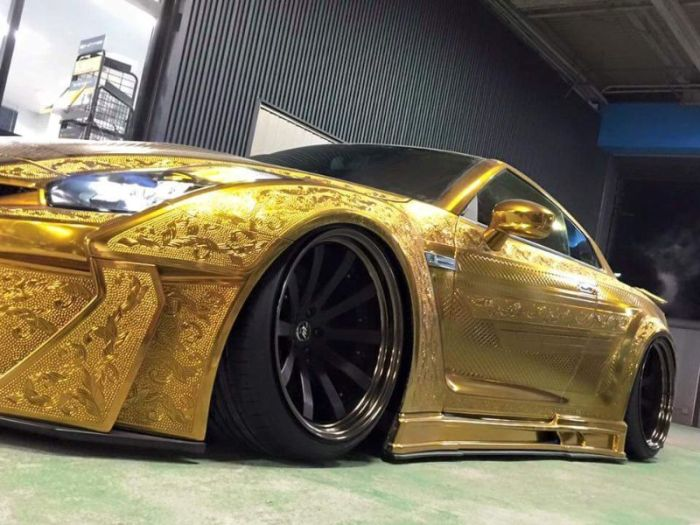 Carved Nissan GT-R Impresses At Tokyo Motor Show 2016 (18 pics)