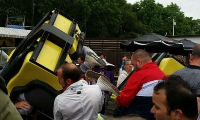 Tsunami Rollercoaster Derails At Scottish Fairground (7 pics)