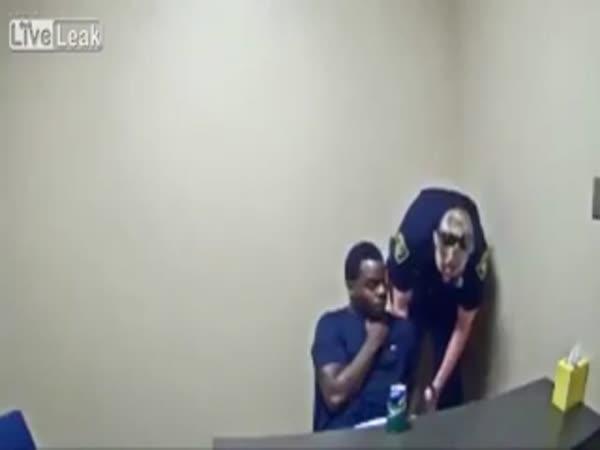 Murder Suspect Tries To Steal Cop's Gun In Interrogation Room