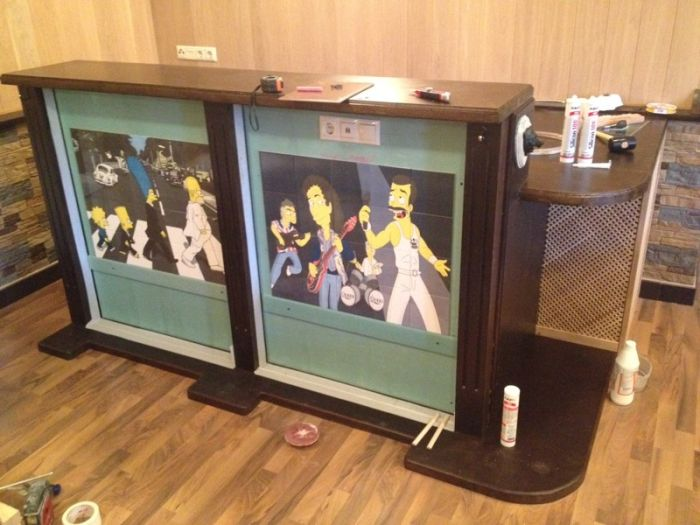 Awesome DIY Bar Pays Tribute To The Simpsons (14 pics)