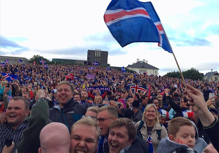 Iceland Goes Crazy After Their Team Defeats England At Euro 2016 (23 pics)