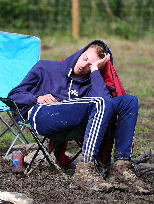 Glastonbury Concertgoers Reluctantly Head Back To The Real World (29 pics)