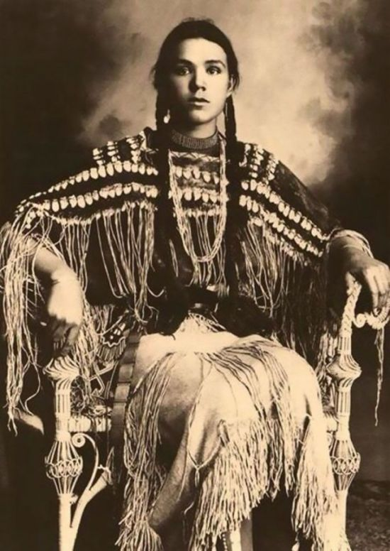 Native American Women Have A Special Type Of Beauty (25 pics)