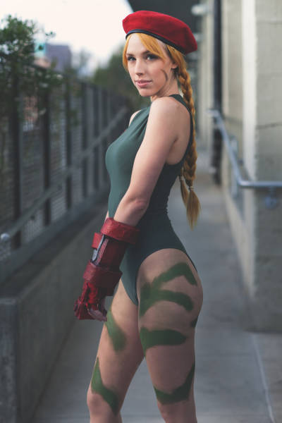 Megan Coffey Is A Biologist And Cosplayer Who Is Pure Hotness (20 pics)