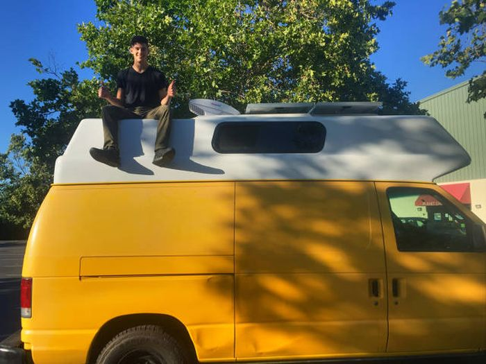 Old Van Gets Converted Into An Adventuremobile (61 pics)