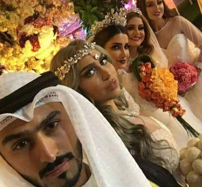 Muslim Man Marries Four Women After His Wife Divorces Him (3 pics + video)