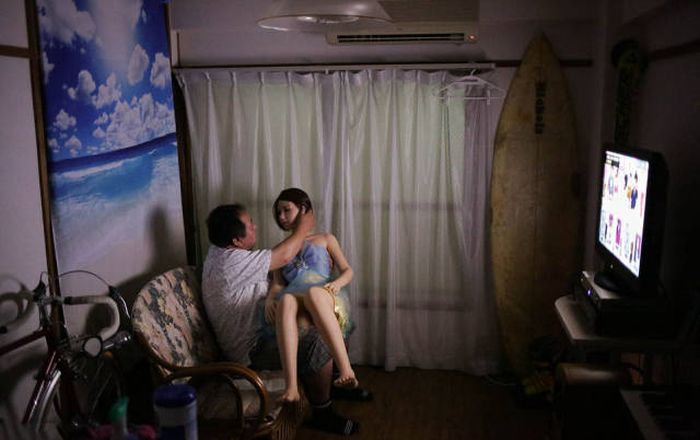 Married Japanese Man Falls Deeply For His Love Doll (13 pics)