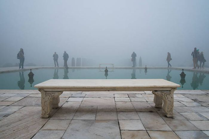 See What The Most Famous Places In The World See On A Daily Basis (30 pics)
