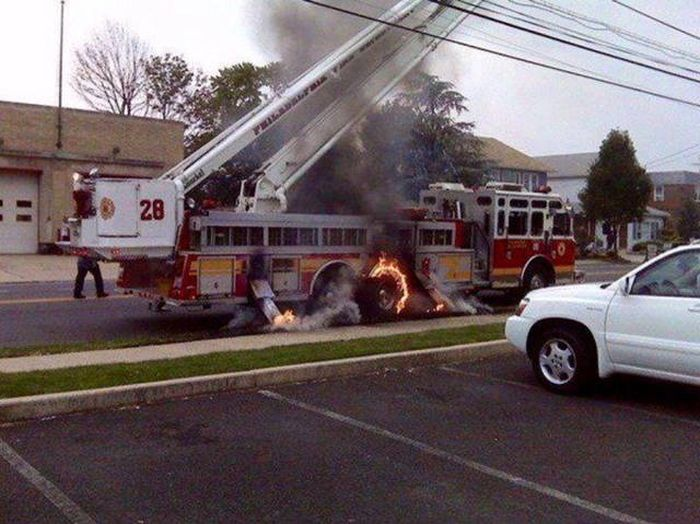 It's Never Fun When Bad Things Happen And You've Got Nowhere To Run (42 pics)