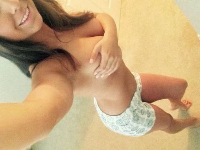 Beautiful Girls Who Understand That Bras Are A Waste Of Time (48 pics)