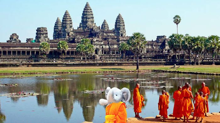 Parents Convince Their Kid That His Favorite Toy Is Traveling Around The World (50 pics)
