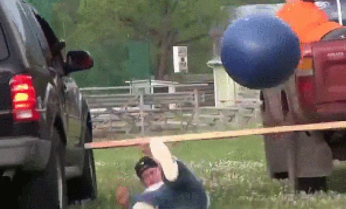 Unfortunate Accidents That Could Have Easily Been Avoided (18 gifs)