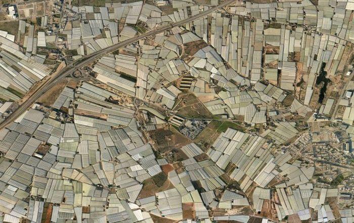 The Greenhouses Of Almeria Are Quite Impressive (26 pics)